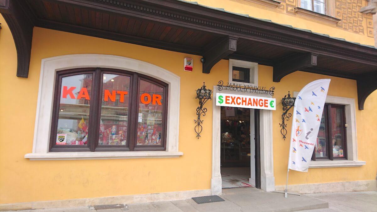 Kantor Exchange opposite Royal Castle @ Warsaw Old Town, Poland