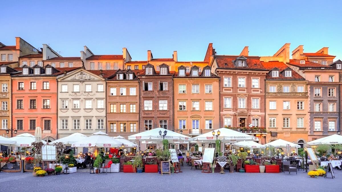 Warsaw Sightseeing: Relax in Old Town Market Square (Rynek Starego Miasta Warszawa)