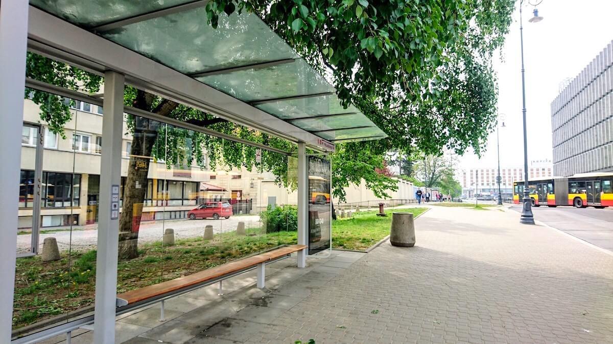Pl. Piłsudskiego 04 Bus Stop in Warsaw