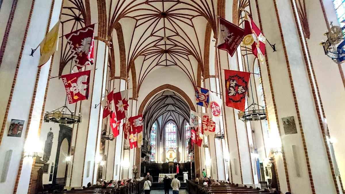 Things to Do in Old Town Warsaw: Pray at St. John's Archcathedral (Bazylika Archikatedralna w Warszawie p.w. Męczeństwa św. Jana Chrzciciela)