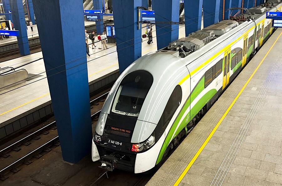 Warsaw Chopin Airport - KML Train