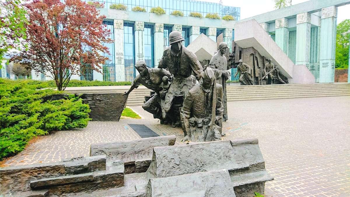 Place to Go in Warsaw: See the Warsaw Uprising Monument (Pomnik Powstania Warszawskiego)