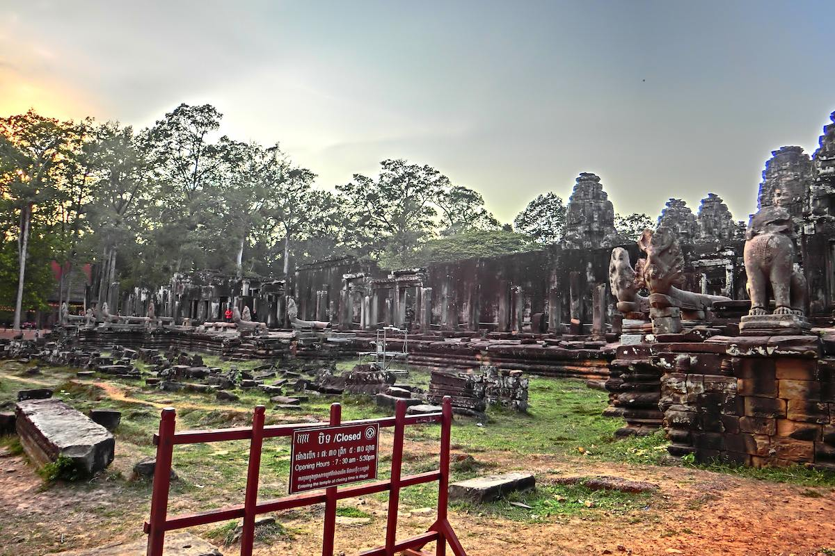 Bayon Temple Sunset