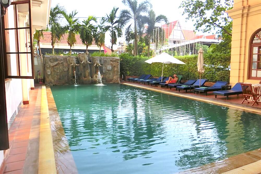 Royal Crown Hotel Siem Reap 18m Swimming Pool